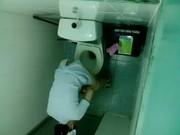 หลุดก่อนเป็นข่าวแอบถ่ายพยาบาลสาว สุดสวยเข้าห้องน้ำ เป็นผมรอดักเย็ดแม่งในห้องน้ำเลย ขาวจริงๆ