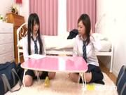 คลิปสาวเงี่ยนเลยทำเพื่อนสาวอีกคนเงี่ยนไปด้วยเด็ดมากๆนมใหญ่ๆทั้งนั้นลีลาโคตรเด็ดเลยครับ