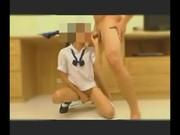 คลิปโป๊ นักเรียนคอซองคาชุด นั่งอมควย รูดหีตัวเองไปพร้อมกัน อย่างเด็ดเห็นแล้วเสียวมากๆ โดน ซอยท่าหมา ยืนเย็ดเลย