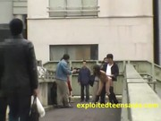โห้สุดยอดญี่ปุ่นแม่งทำได้ไง ถ่ายหนังxบนสะพานลอย คนเดินผ่านกันเต็ม โคตรกล้าอ่ะ