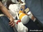 สาวญี่ปุ่นโดนจับเย็ดบนรถเมล์เอากันมันมากๆเลยครับเย็ดโคตรเด็ดหุ่นดีขาวสวย