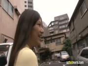 หนังโป้ญี่ปุ่นสาวหัดเป็นนางเอก AV เข้ามาทำการทดสอบงานถูกเลียหูดูดหีเอาเลียสอดเข้าไปในปากแล้วไซร์คอค่อย ๆ ลงมานม