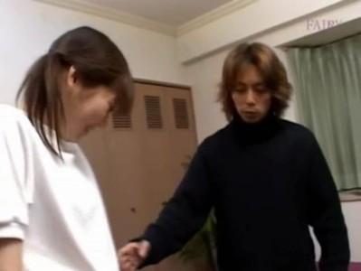 นักเรียนสาวญี่ปุ่นโดนครูเรียกเข้ามาเย็ดหีอย่างเด็ดเย็ดมันมากๆเอวโคตรดีหีอย่างขาวโม็คควยเก่ง
