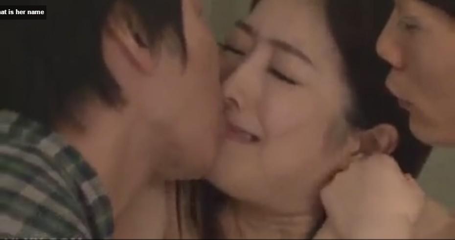 สาวเกาหลีโดนดูดปากดูดหัวนมโคตรเสียวหัวนมชมพูเด็ดมากๆน่าเย็ดสุดสุดรูหีขาวเนียนดูแล้วเงี่ยนมากๆ