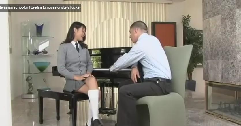 สาวญี่ปุ่นเย็ดกับหนุ่มฝรั่งควยใหญ่มากๆโม็คควยอย่างเสียวครางเด็ดได้อารมย์มากๆรูหีขาวเนียนสุดสุด