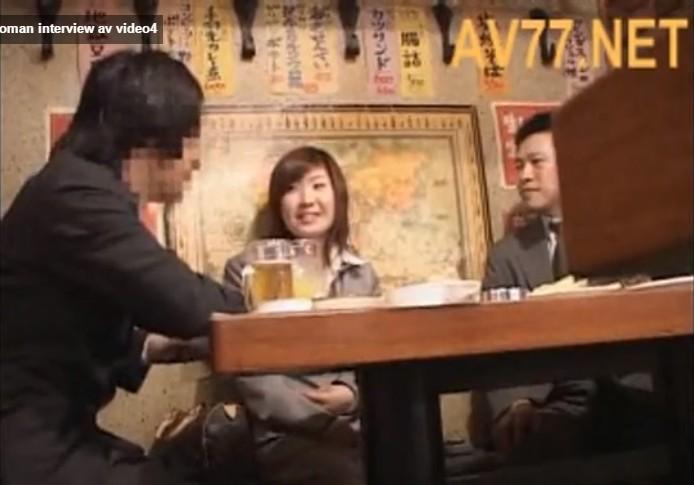 หนังโป๊ญี่ปุ่นมอมเหล้าเลขาสาวสวยมาเย็ดที่โรงแรมโดนหัวหน้าจับเลียหีครางไม่หยุดเลย
