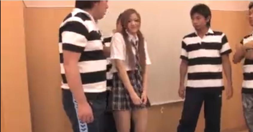 Porn AV หนังโป๊ญี่ปุ่นนักเรียนชายรุมเย็ดนักเรียนหญิงคนเดี่ยวเด็ดจริงๆครางนิดๆเสียวสุดๆเลย