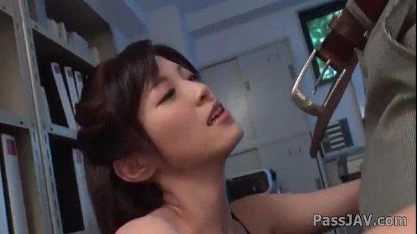 Sara Yurikawa สาวออฟฟิตรับงานotทำงานดึกจัดเพื่อนร่วมทีมเกิดอาการเงี่ยนจัดเลยจับโม๊ดควยให้ไปทีนนึง