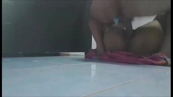 แอบเล่นชู้น้องเมีย จับซอยหีท่าหมา แล้วมาต่อกันบนพื้น กระเด้าถี่ยิบซอยหีน้องเมียแรงมากๆ เด็ดจริง แอบเย็ดบนพื้นห้องน้ำ