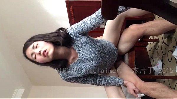 สาวสวยขึ้นขย่มแฟนหนุ่มบนเก้าอี้ ตั้งกล้องถ่ายเห็นหน้าชัดเจน เสียวจนเงยหน้าครางระงม อย่างน่ารักเลยครับ ห้ามพลาดเสียงก็น่ารัก