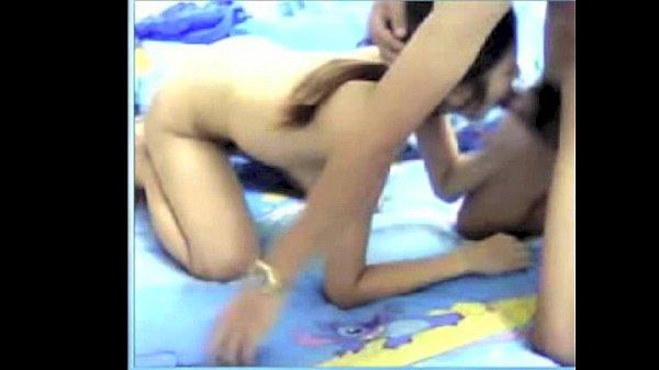 คลิปเย็ดหลุดวัยรุ่นไทยเย็ดกับแฟน เปิดกล้องเย็ดหีกันจะๆ เอากันรัวๆ ร้องลั่นเสียงไทยฟังชัดจัง