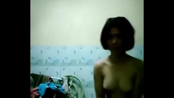 เห็นน้องตองดังเอามั่ง น้องเตยสาวบางพลี จัดหนักโชว์เสียวแก้ผ้าร้อนจ้อน xxxโชว์ในห้องน้ำ แอบพ่อกับแม่โชว์ด้วย เด็ดจริงๆ