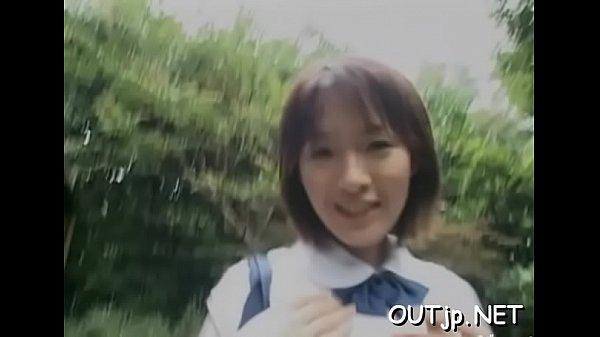 หนังโป๊ญี่ปุ่น ลากนักเรียนวัยใสไปเย็ดในป่าแบบ สองต่อหนึ่งโดนรุมโทรมหีซะแบบสุดๆเลย