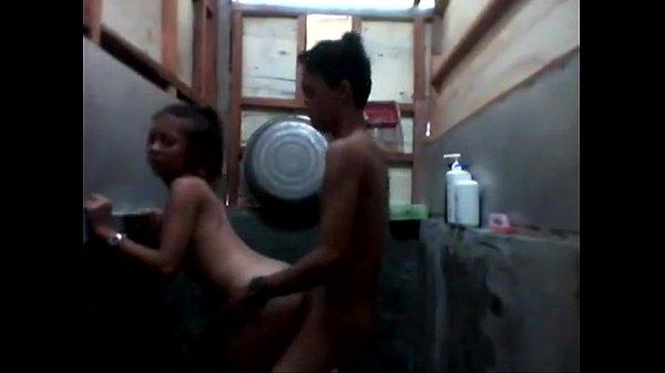 xxx แอบเย็ดตอนพ่อแม่ไม่อยู่บ้าน จับเย็ดในห้องน้ำ หุ่นดีมาก ๆ นมใหญ่สุด ๆ น้ำแตกเต็มตูด