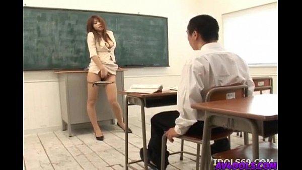 คลิปโป้ อาจารย์เงี่ยน อ่อยให้นักศึกษาเย็ด ลีลาแมร่งสุด ๆ เห็นแล้วไม่เงี่ยนก็แปลก xxx