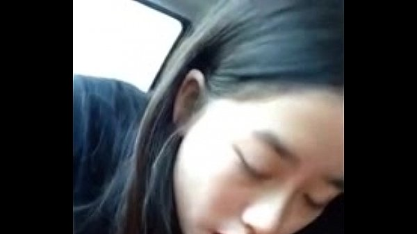 หลุดนักศึกษาสาว วัยรุ่น อมควยให้แฟนหนุ่ม บนรถก่อนจะออกไปเที่ยวกัน ลีลาอมอย่างเด็ด xxx 18+