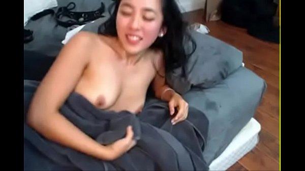 ชวนแฟนลุกมาจากบนเตียงแล้วมาเย็ดหีกันเข้าให้ สาวสวยหน้่าตาเหมือนคนไทยใช้ได้เลลย