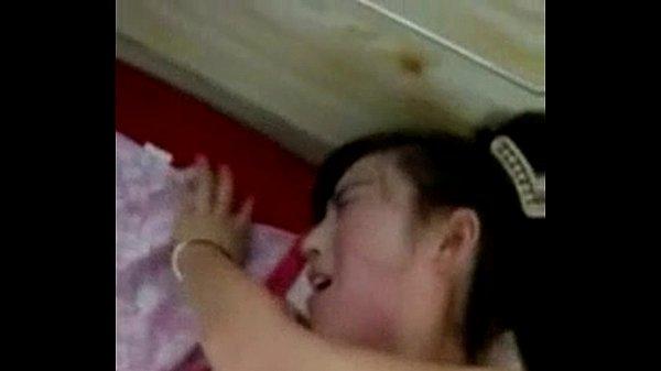 คลิปหลุด ตั้งกล้อง ถ่ายคลิป แหกขาสาวมหาลัย ผิดขาวโครตเนียน หมอยดำดกฟู จับตะแคงขาเย็ด ร้องสียวฟังไม่รู้เรื่องเลย