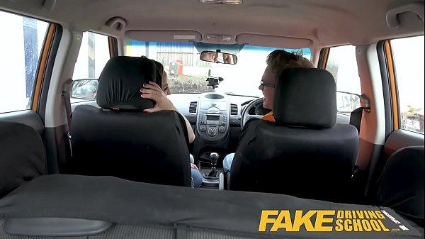 Fake Driving สอนขับรถแล้วหลอกเย็ดบนรถ สาวๆแต่ละคนเหมือนรู้งานจัดเสียวโมกควยก่อนเย็ดขย่มกันมันส์จริงๆ ขนาดนี้ที่มีน้อยยังเสียวได้ขนาดนี้