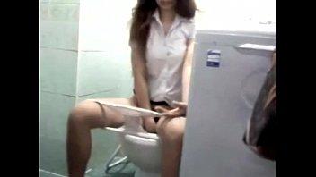 HD โป๊ในห้องน้าบิ๊กซีงานล่าสุด คลิบนักศึกษาไทย ถอดบิกินี่ตัวจิ๋วโชว์หนังหีขาวๆ พร้อมล้างหม้อขัดจิ๋มโชว์เสียวอย่างต่อเนื่อง