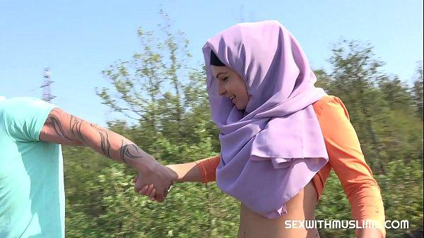 พาแฟนสาวมุสลิมไปเที่ยวเขา จัดหนักเย็ดสาวแขกนอกสถานที่ นมใหญ่หีอวบไม่มีหมอย จับตะแครงเย็ดบนหน้าผาขึ้นร่อนขย่มน้ำแตกใน