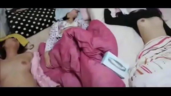 วางยานอนหลับแอบย่องข่มขืน คลิปโป๊ เย็ดเพื่อนน้องสาวนมใหญ่หุ่นอวบ จับเกี่ยวเบ็ดแล้วเย็ดแตกใน