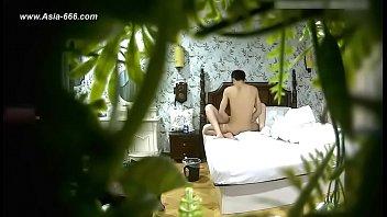 99bb ไลฟ์สดแคมฟรอก หนังโป๊แอบถ่าย Chinese สาวจีนเบื่อผัวควยเล็กนัดชู้มาเย็ด นอนแหกหีให้กระเด้า ผู้ชายซอยเร็วเสียงดังตับๆ