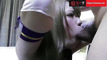 คอสเพลย์เกาหลีพาสาวๆมารีวิวควยปลอม ไลฟ์สด18+แหกหีแล้วเสียบด้วยเครื่องสั่น เปิดควงในหีเสียวจัด ขอเย็ดเลยแล้วกัน มาถ่ายโป๊แต่โดนเย็ด