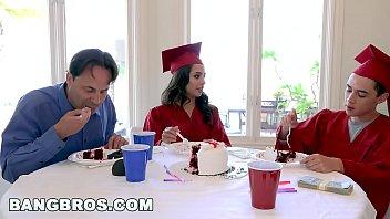 โป๊ฝรั่งออนไลน์HD นำแสดงโดยพระเอกหนุ่ม Jorni el nino ฉายาควยเก้านิ้วใครโดนเย็ดหีจะโบ๋