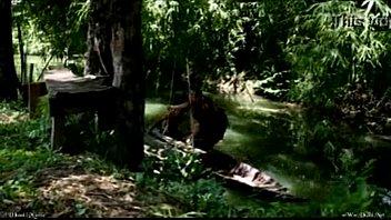 หนังไทยเรทอาร์ [ นางจันทร์แรม ] สไตล์การเอากันโครตโรแมนติก พายเรือข้ามคลองไปนัดเย็ดในบ้านทรงไทย นอนอ้าหีให้กระดอเสียบพร้องครางสุดเสียง