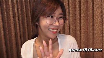 แคสติ้งดาวหนังโป๊ สาวแว่นเกาหลี คาวาอี้เลยครับ นมสวยจิมิโหนกนูน ใส่แว่นเย็ดทำหน้าเงี่ยนควยสะด้วย