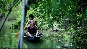 หนังไทยโบราณ ล่องเรือมาแต่งเมีย แต่จอดเรือเย็ดสะทั่วหมู่บ้าน เงี่ยนXขนาดนี้ทำจนหีแฉะ ขนาดบวชเป็นพระยังเงี่ยน