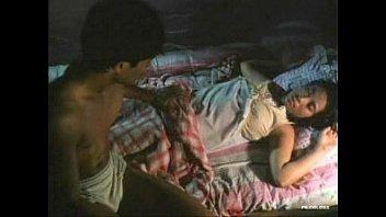 หนังไทยเก่าๆ คืนอันตรายหนุ่มเงี่ยนย่องเย็ดสาวสวยถึงในมุ้ง xxxตอนดึกควยมันคึกจนแข็ง เสียบหีแล้วเด้าจนน้ำแตกในหี