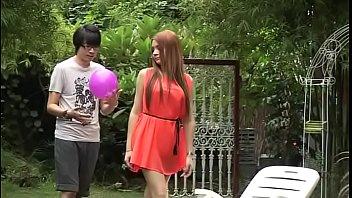 หนังXไทยเรื่องเด็ด เงี่ยนเย็ดขนาดนี้ไมรู้ว่าขายเค้กหรือขายหี ชอบอ่อยผู้ชายมาเย็ดในร้าน เอาครีมทาหีให้เลียจนผู้ชายน้ำแตก