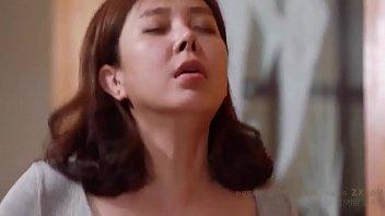 ดูหนังโป้แนวครอบครัว พี่น้องเกาหลีแอบพ่อแม่มาเย็ดกันบนโซฟา ติดใจหีพี่สาวตั้งแต่เล็กๆ โตมาขอเย็ดเป็นเมียสะเลย