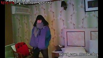 หนังแอบถ่ายสาวเกาหลี แก้ผ้าเห็นหีขาวจ๋อง เอานิ้วแยงแล้วครางเสียว หนาวหีอยากมีผัว เย็ดตัวเองไปก่อนนะน้อง