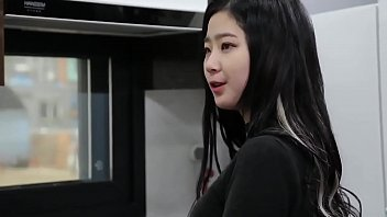 หนังโป้มอมเหล้า หลอกพาแฟนมาฟันฟรี หลอกเย็ดหีกันสะได้ XXXเกาหลีหน้าสวย ซอยกระหน่ำอัดจนน้ำเงี่ยนเต็มหี
