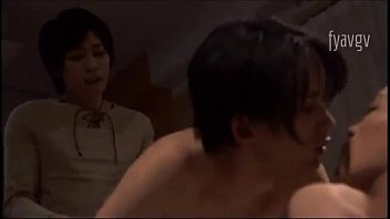 หนังเกย์อีโรติก หลอกเพื่อนมาอาบน้ำแล้วจับเย็ดตอนควยเปียก เย็ดกันนัวเนียในอ่างน้ำ ร่องตูดฟิตตอดควยเหมือนได้เย็ดหี