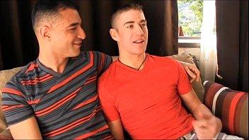 หนังXเกย์วัยรุ่น ครอบครัวเยอรมันซื้อกะหรี่ชาย ต้องชักว่าวตอนเย็ดก่อนจะโม้กเอาควยยัดปาก แตกใส่หน้าแม่งเลย