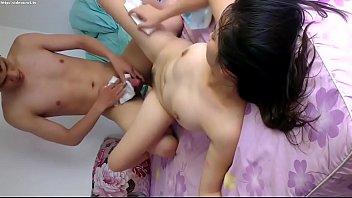 Thai หนังXใหม่ เย็ดสาวไทยแบบสดๆ สั่งเมียให้นอนแหกหี เดี๋ยวพี่จะแทงด้วยลำควย XXXเข้าไปทีเดียวเสียวหีถึงใจ