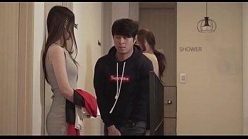 หนังเกาหลีเรื่องเยี่ยม เรทR18+ น้องชายสายหื่นแอบดูหีพี่สาว ชักว่าวจนได้ดี พี่สาวขอเย็ดตอนควยกำลังแข็ง