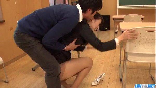 สาวออฟฟิตโดนเพื่อนร่วมงานข่มขืนหนังโป๊ญี่ปุ่นหลอกให้ทำโอทีโดนเย็ดหีในออฟฟิตXXX