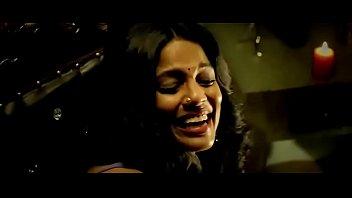 หนังอาร์ Desi นางเอกอินเดียนมโตเย็ดกระดอหนุ่มใหญ่ ร่อนหีลงมาเย็ด กลีบแคมกระแทกจนควยน้ำแตก หลั่งในอุ่นไปทั้งหี