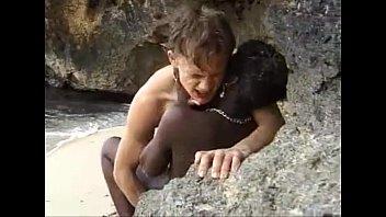 หนังโป๊แอฟริกา 18+ เย็ดหีนิโกร ดำยันหมอย ลากมาล่อกันริมหาด ซอยถี่จนแสบหี นังกระเด้าเย็ดสด ควยอวบๆยัดจนแน่นหี