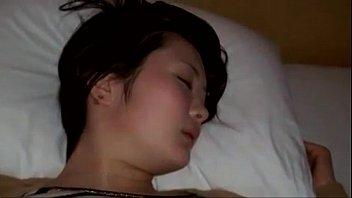 หนังโป๊ลักหลับ XNXX มอมเหล้าสาวจีน แล้วเอานิ้วแยงหี แฉะขนาดนี้ยัดสวนหีด้วยควยสะเลย