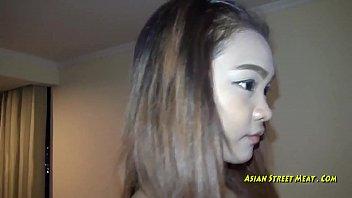 XXXไทย หนังโป๊ยอดฮิต หีสาวไทยถูกใจฝรั่ง จ้างเย็ดขึ้นคอนโด ขายหีจนได้ดี โดนควยไปหน้าฟินเลย